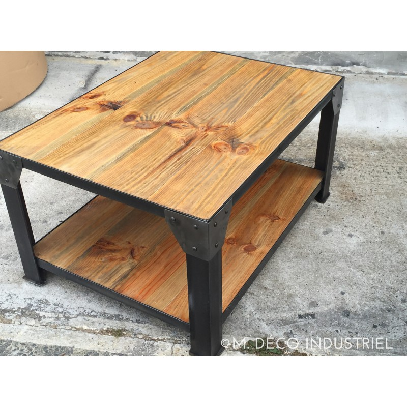 Table basse industriel rectangle acier et bois massif m for Table bois massif industriel