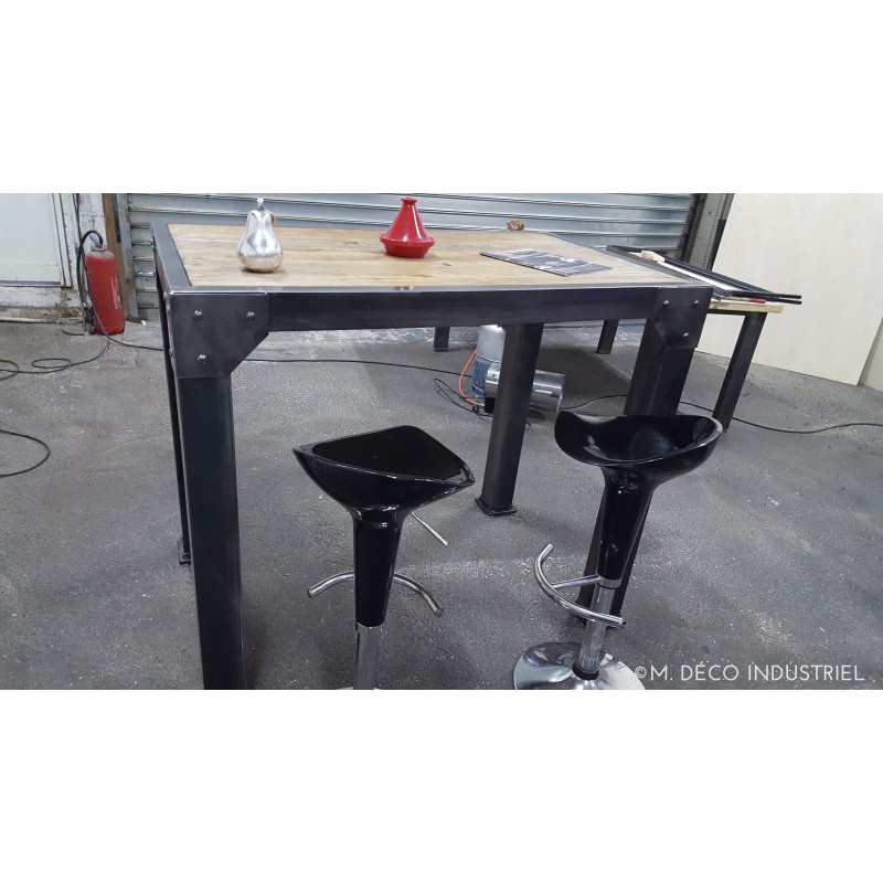 Meuble industriel table haut mange debout m d co for Meuble bar mange debout