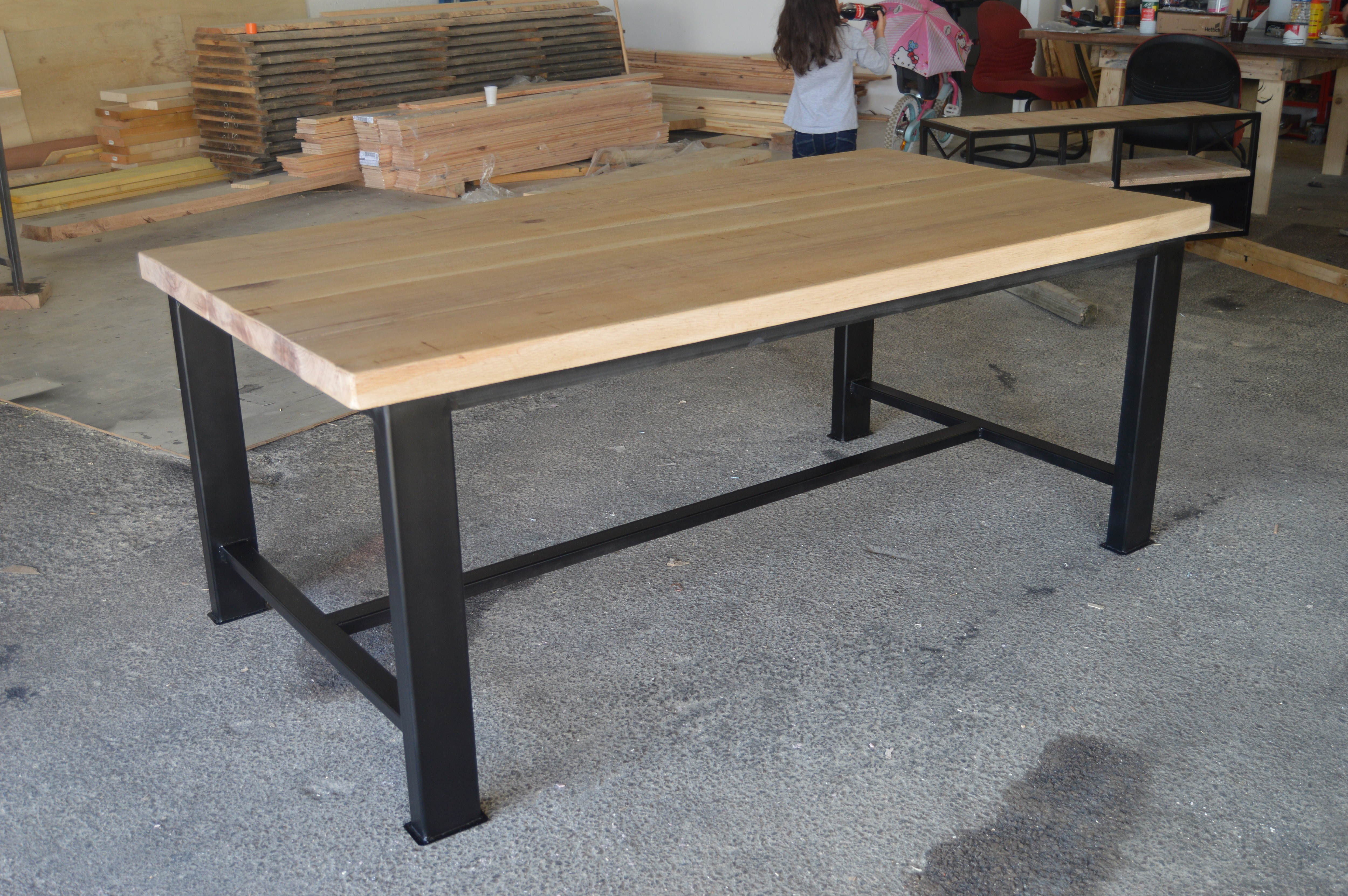 Salle a manger style industriel for Meuble table