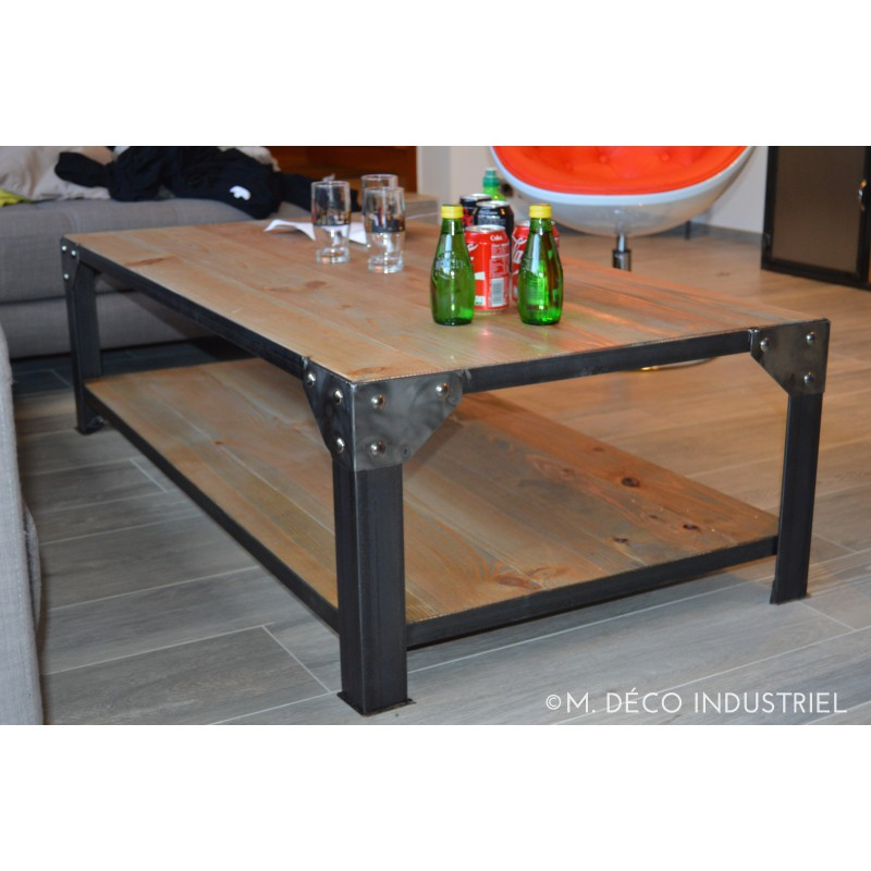 Table basse industrielle style industriel micheli design for Table style industriel