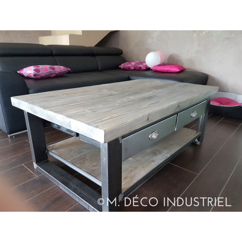 Table basse carree bois avec tiroir for Table de salon style industriel