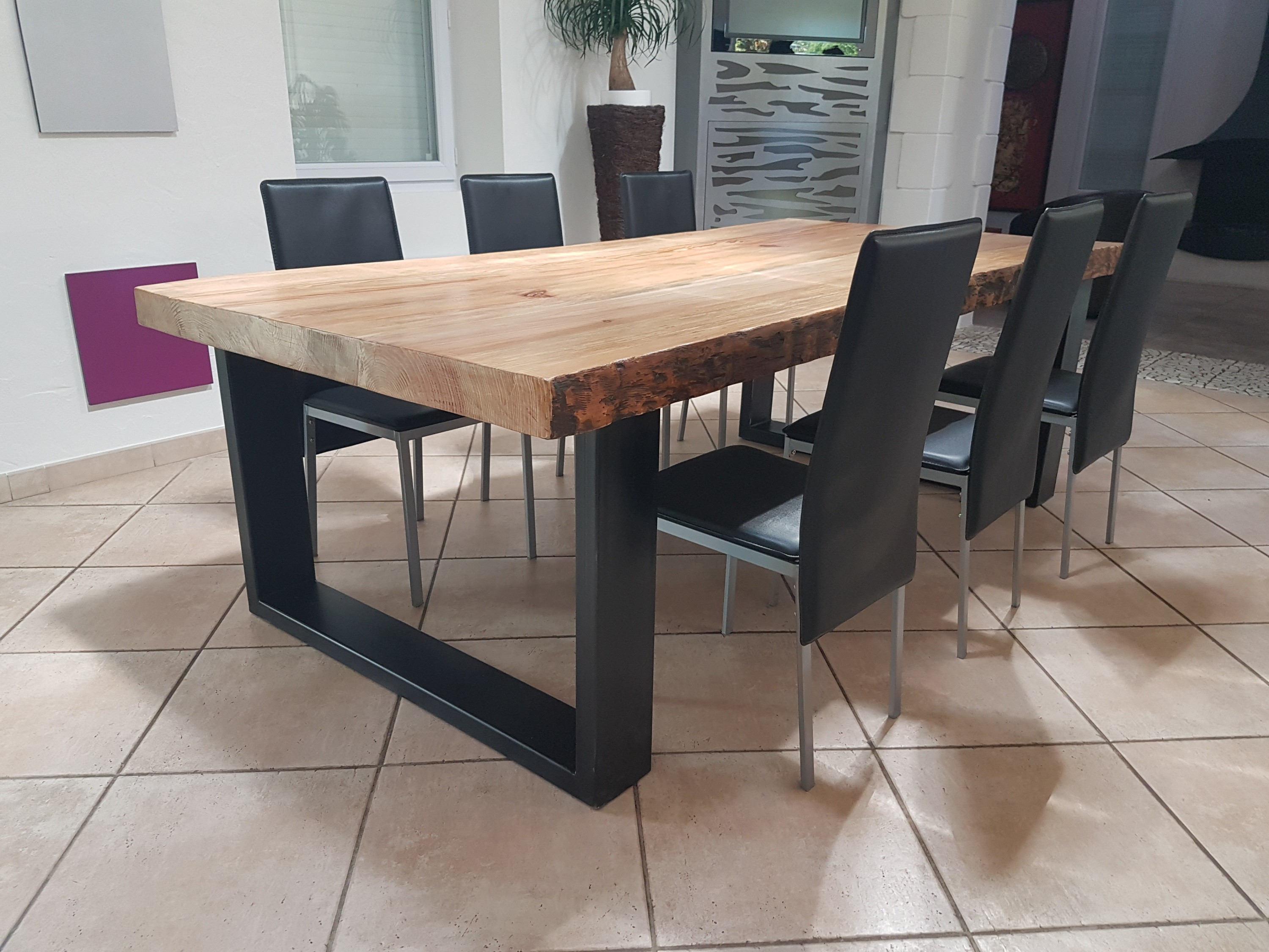 Table a manger style industriel for Table de salle a manger wenge et verre