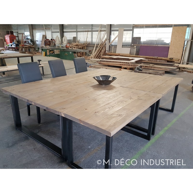 table de salle manger style industriel bois et acier m. Black Bedroom Furniture Sets. Home Design Ideas