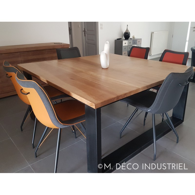 Table de salle manger industriel carr e en ch ne massif for Table originale salle manger