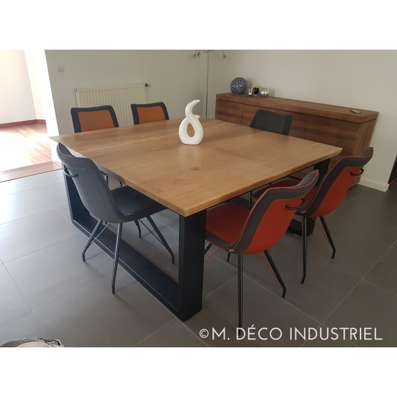 Table de salle manger industriel carr e en ch ne massif for Table de style industriel