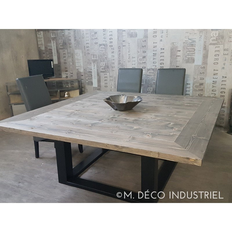 Table de salle a manger carr style industriel for Table de salle a manger carre