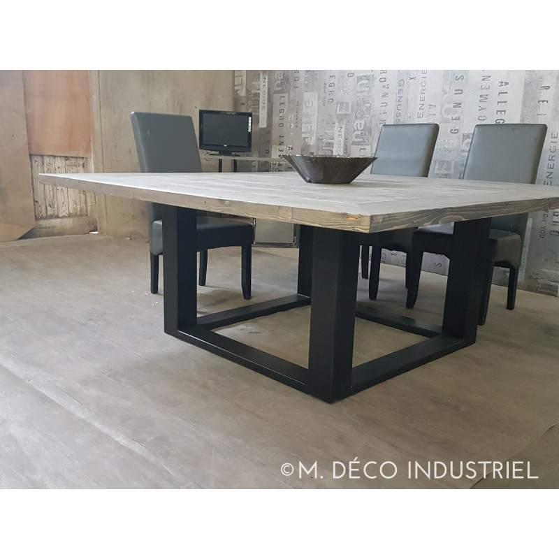 table de salle a manger carr style industriel. Black Bedroom Furniture Sets. Home Design Ideas
