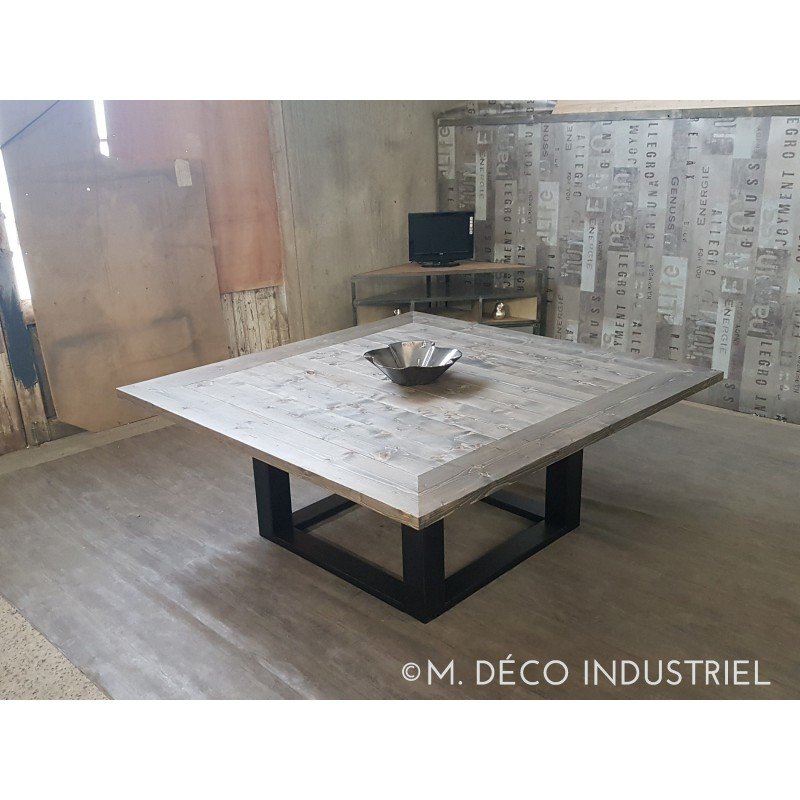 Table de salle a manger style industriel for Table de salle a manger carre