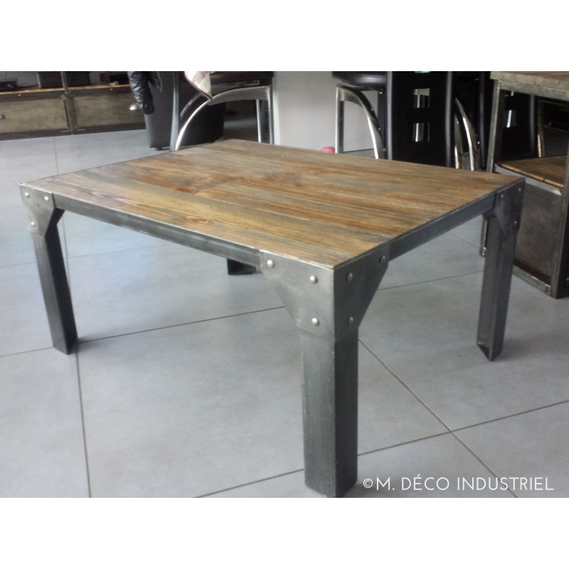 Table basse industriel acier et bois m d co industriel for Table en bois industriel