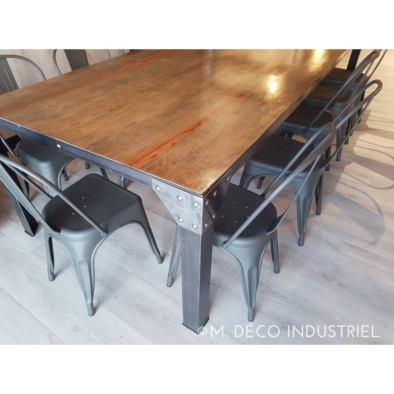 Table salle a manger industriel maison design for Table salle manger style industriel