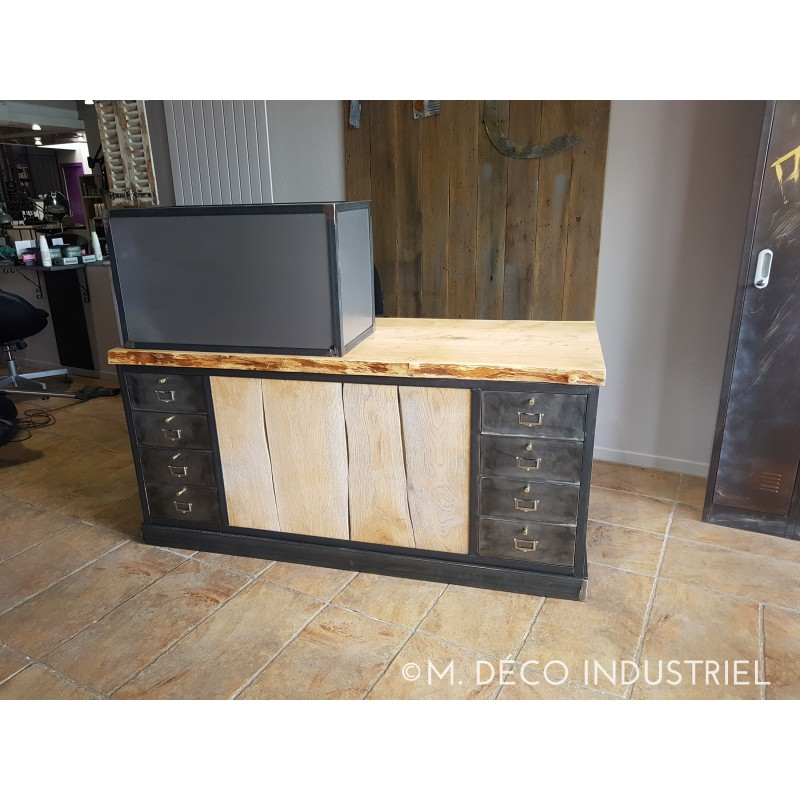 comptoir de caisse style industriel m d co industriel. Black Bedroom Furniture Sets. Home Design Ideas
