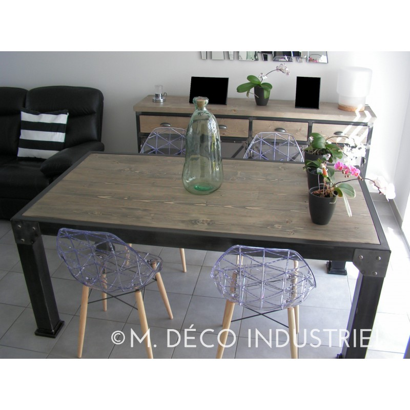 table de salle manger industriel 4 pieds carr plateau. Black Bedroom Furniture Sets. Home Design Ideas