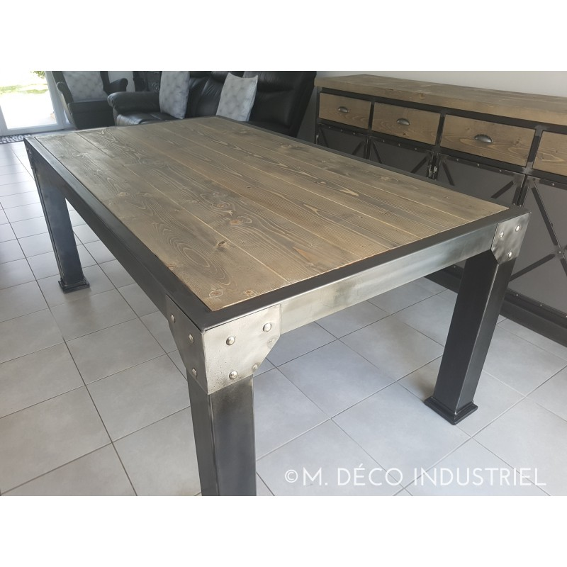 table de salle manger industriel 4 pieds carr plateau en sapin gris m d co industriel. Black Bedroom Furniture Sets. Home Design Ideas