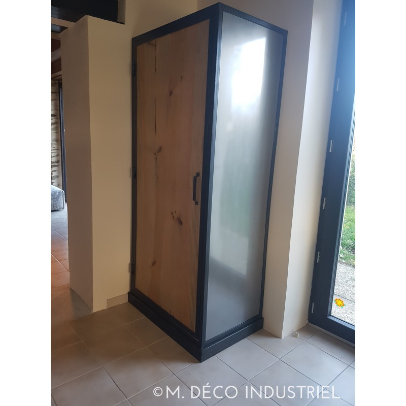 armoire de style industriel 1 portes bois m d co industriel. Black Bedroom Furniture Sets. Home Design Ideas