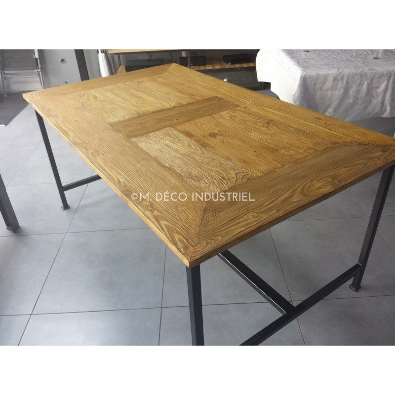 meuble industriel table de salle manger acier et bois m d co industriel. Black Bedroom Furniture Sets. Home Design Ideas