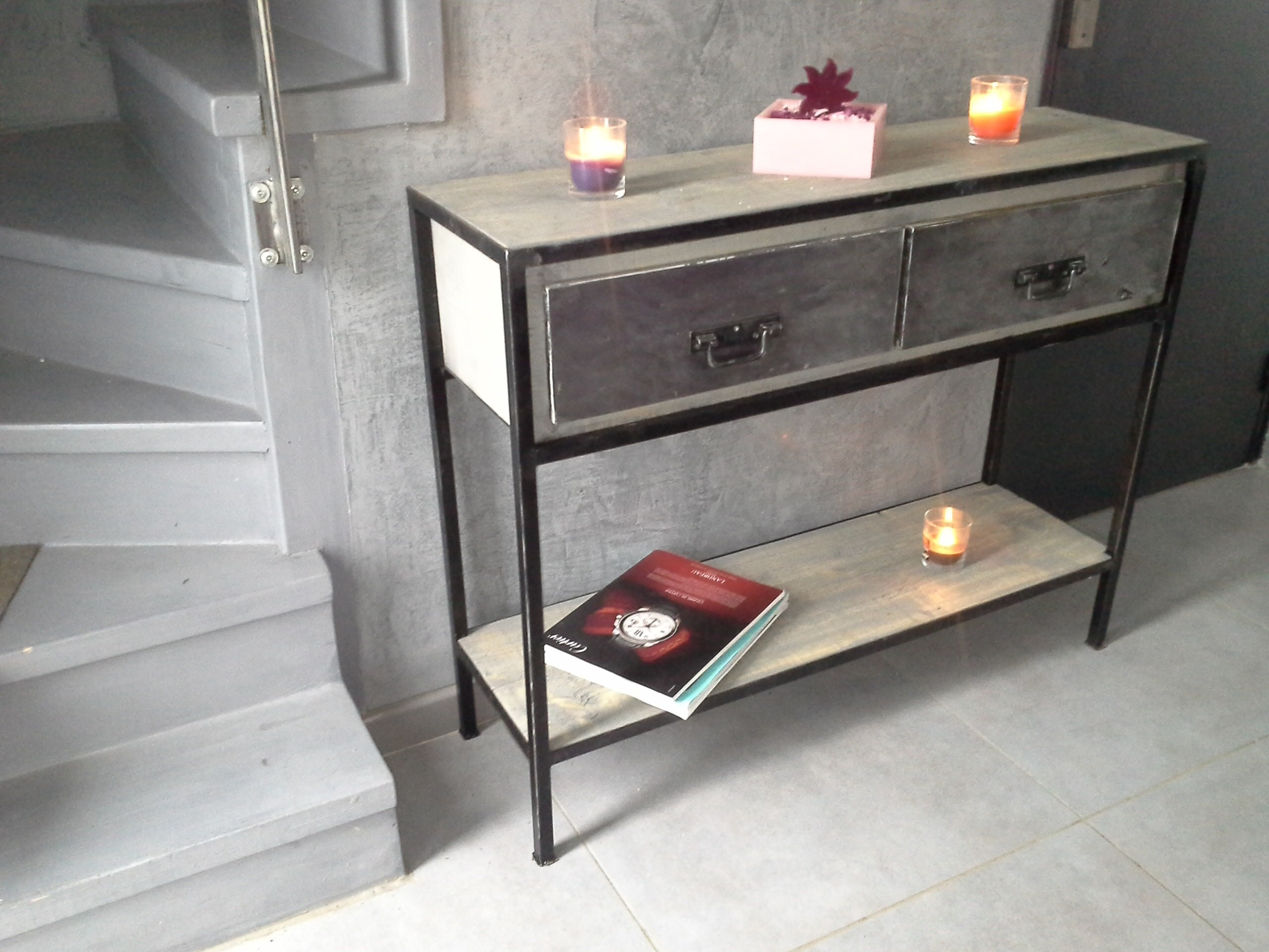 meubles consoles. Black Bedroom Furniture Sets. Home Design Ideas