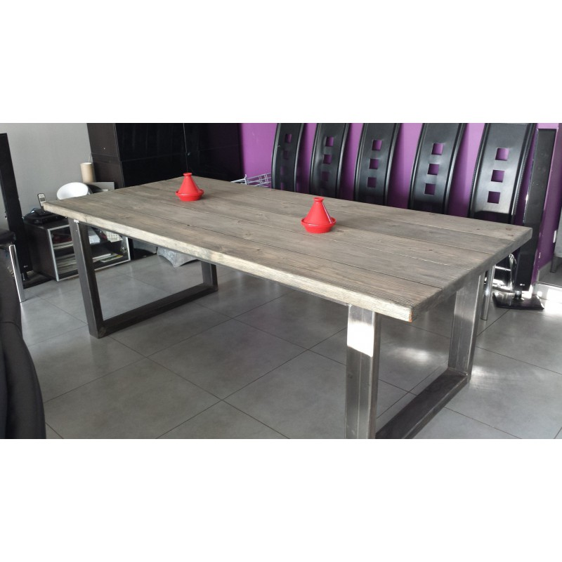 table de salle manger industriel pied acier et bois massif gris m d co industriel. Black Bedroom Furniture Sets. Home Design Ideas