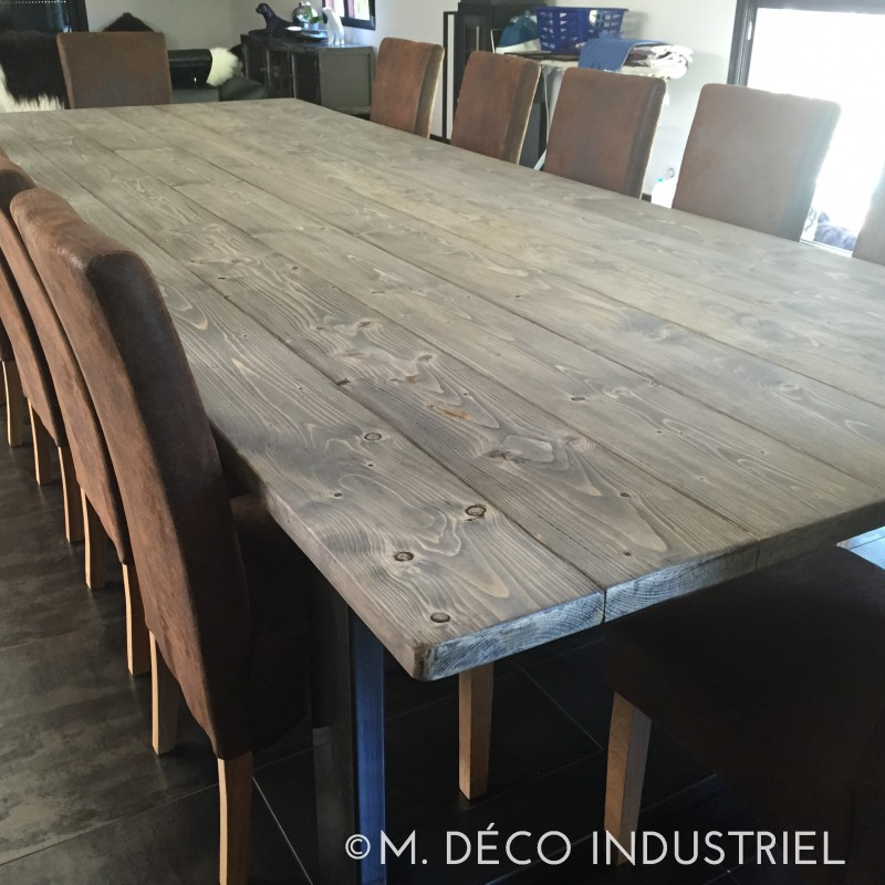 Table de salle a manger industriel id es de d coration for Model de table a manger en bois