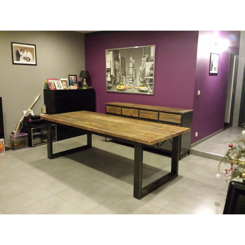 Table de salle a manger industriel id es de d coration for Table de salon style industriel