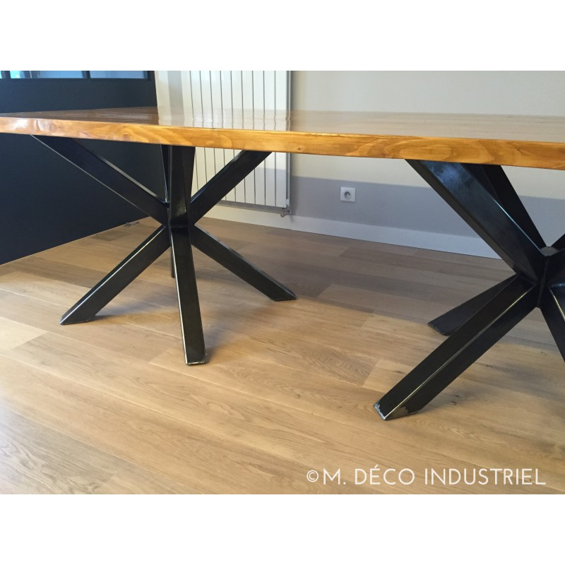 Meuble industriel table de salle manger couleur ch ne for Table a manger style atelier
