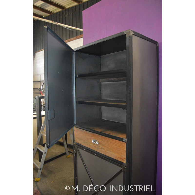 meuble industriel buffet bonnetiere m d co industriel. Black Bedroom Furniture Sets. Home Design Ideas