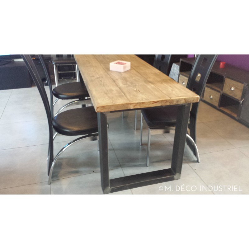 Table de salle manger industrielle pied acier m d co for Table de style industriel