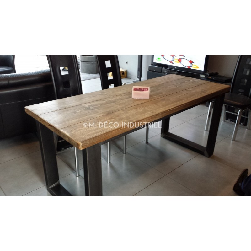 Table de salle manger industrielle pied acier m d co for Table en bois industriel