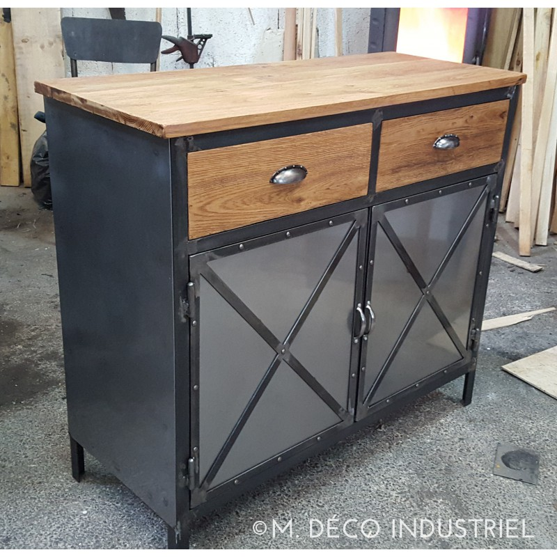 meuble industriel buffet 2 portes plateau en ch ne massif. Black Bedroom Furniture Sets. Home Design Ideas