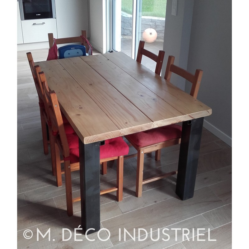 meuble industriel table de salle manger acier et bois avec rallonges m d co industriel. Black Bedroom Furniture Sets. Home Design Ideas
