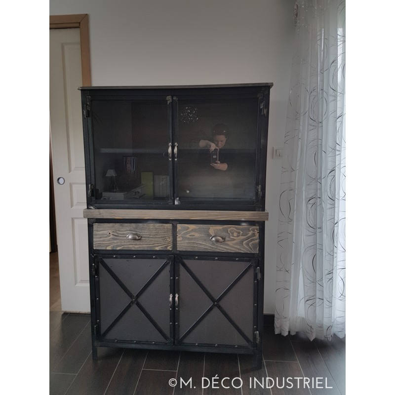 buffet haut industriel m tal bois et verre m d co. Black Bedroom Furniture Sets. Home Design Ideas