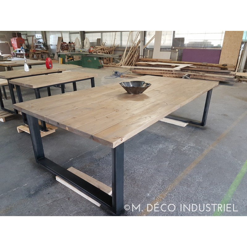 table de salle manger style industriel bois et acier m d co industriel. Black Bedroom Furniture Sets. Home Design Ideas