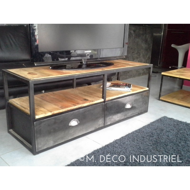 meuble tv industriel en m tal et bois vieillis. Black Bedroom Furniture Sets. Home Design Ideas