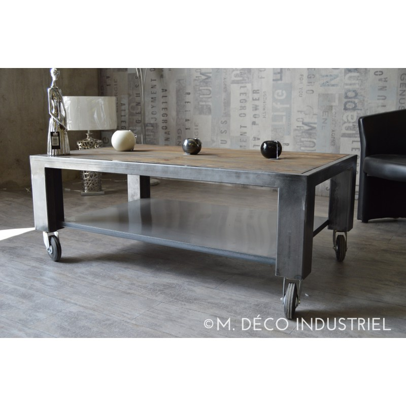 table basse industriel acier et bois avec roulettes m d co industriel. Black Bedroom Furniture Sets. Home Design Ideas