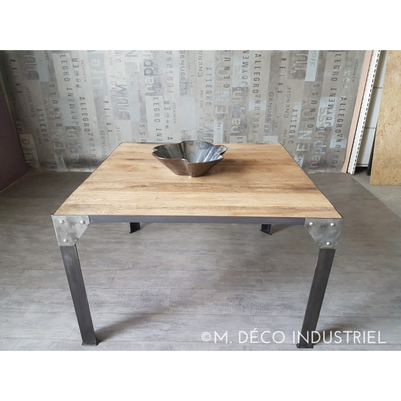 meuble industriel table de salle manger pied rivet ch ne massif m d co industriel. Black Bedroom Furniture Sets. Home Design Ideas