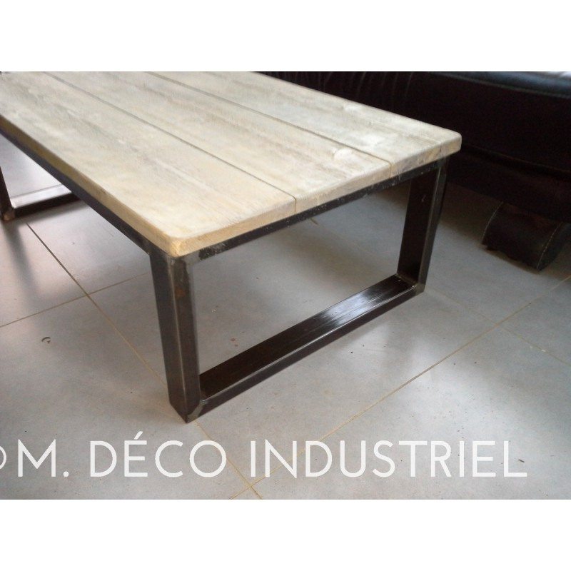 Table basse esprit industriel structure de pied en acier for Table basse carre industriel