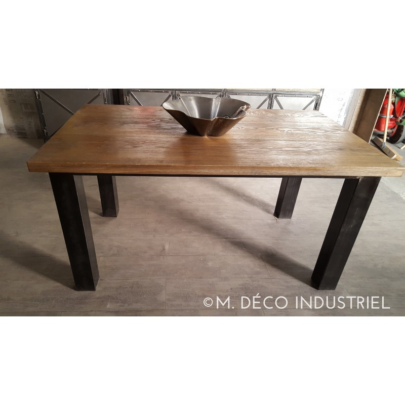meuble industriel table de salle manger en ch ne massif fonc m d co industriel. Black Bedroom Furniture Sets. Home Design Ideas