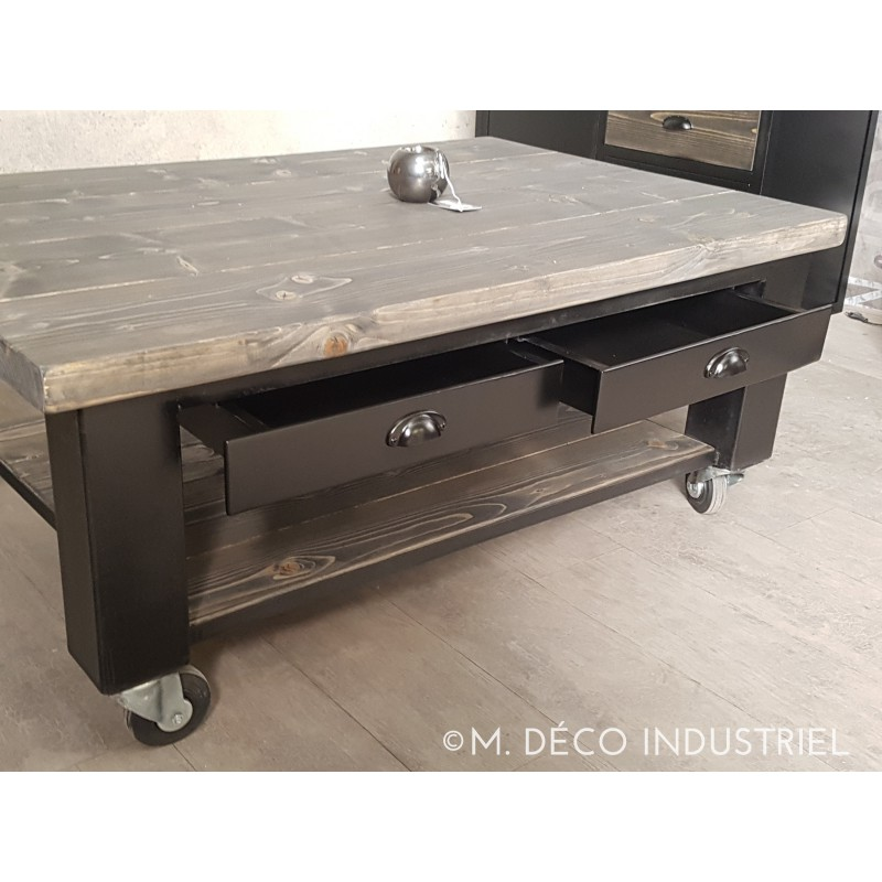table basse industriel acier et sapin massif gris sur roulette m d co industriel. Black Bedroom Furniture Sets. Home Design Ideas