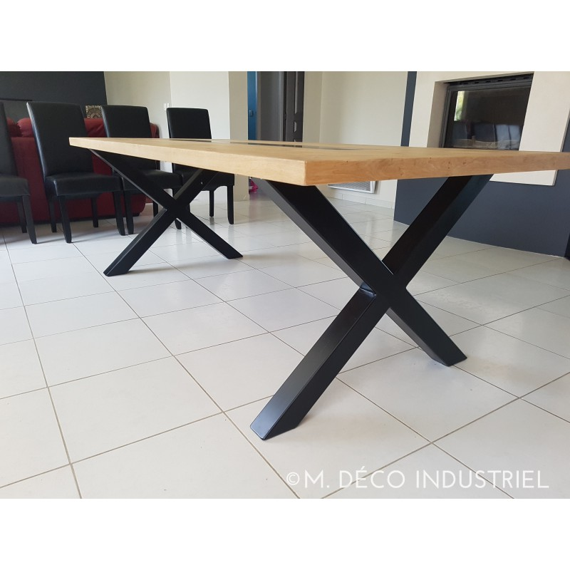 table de salle manger style industriel plateau en ch ne massif chemin de table acier bleut. Black Bedroom Furniture Sets. Home Design Ideas