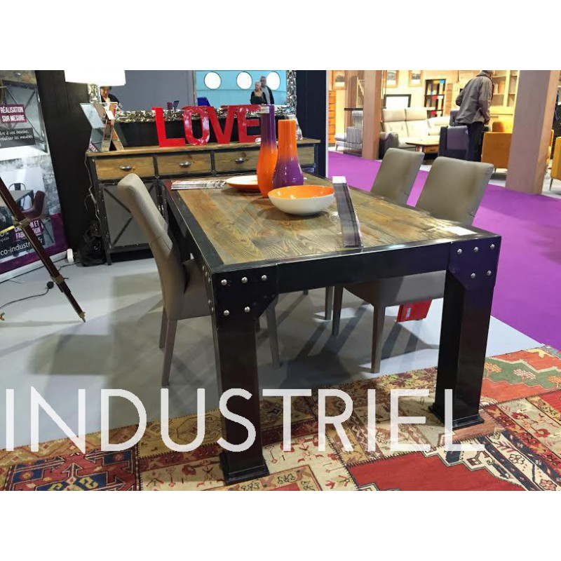 table de salle manger industriel 4 pieds carr avec plaque rivet plateau en pin massif. Black Bedroom Furniture Sets. Home Design Ideas