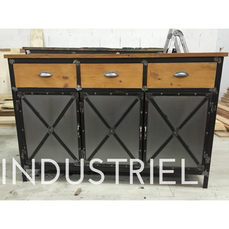 meuble industriel buffet 3 portes dor m d co industriel. Black Bedroom Furniture Sets. Home Design Ideas